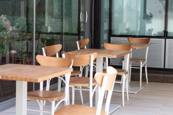 Chaises bistrot tunisie / chaises bistrot / chaises Tunisie / vente chaises tunisie / chaises sur mesure tunisie / design chaises tunisie / chaises café tunisie / chaises café / chaises restaurant / chaises hotel / chaises industriel / chaises en bois / chaises bistrot/ chaises bistrot tunisie/ meubles tunisie